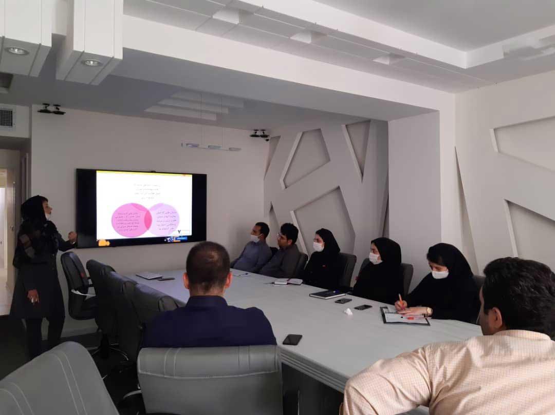 برگزاری دوره نظام آراستگی محیط کار ۵S در شرکت زعفران مصطفوی